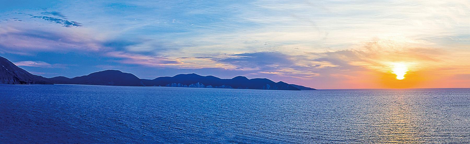 希臘地中海日落(Fotolia)