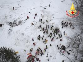 意國被雪埋酒店十一人獲救 廿三人仍受困