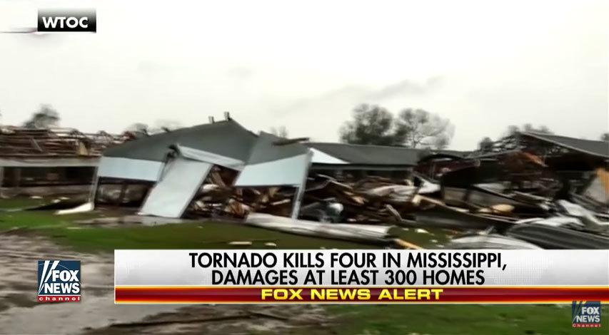 美國南部遭遇風暴和龍捲風侵襲,在48小時內,造成至少16人死亡,43人受傷。(視像擷圖)