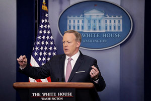 斯派塞的首個白宮簡報 為新聞發佈會立新規