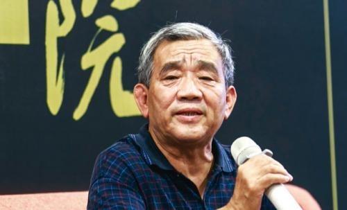 前新華社記者楊繼繩關於文革歷史的新書《天地翻覆》目前已在香港上架,而該書在中國大陸被列為禁書。(大紀元資料室)