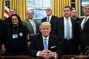 特朗普工作首日 凍結聯邦僱員增聘計劃