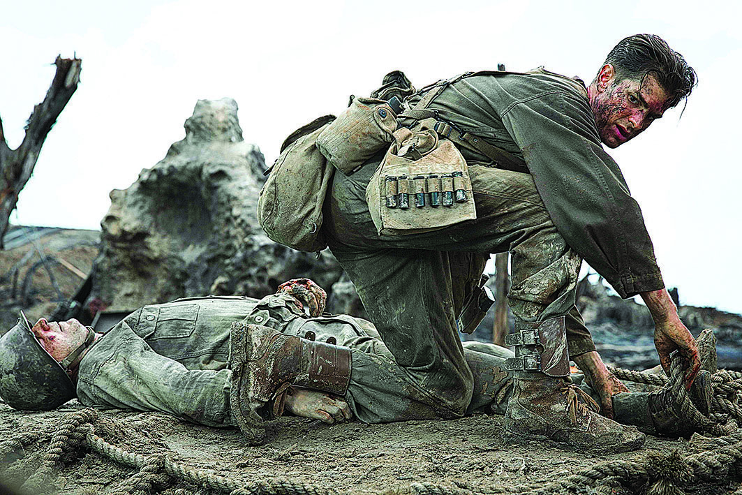 安德魯·加菲在《鋼鋸嶺》中的劇照。( 甲上提供 )