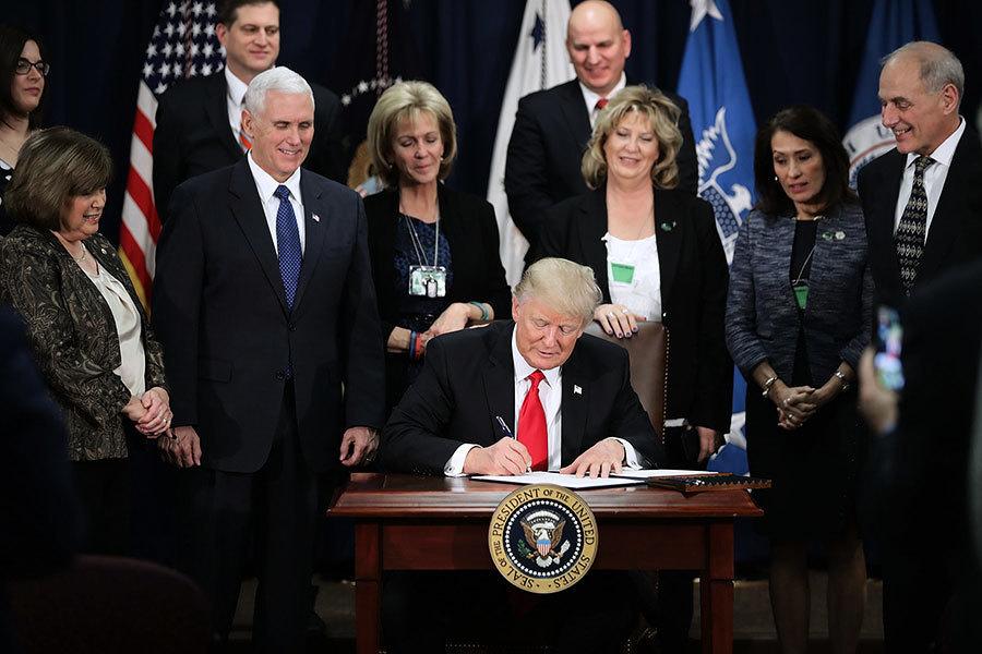 特朗普:數月內美墨邊境修牆 百分百墨國買單