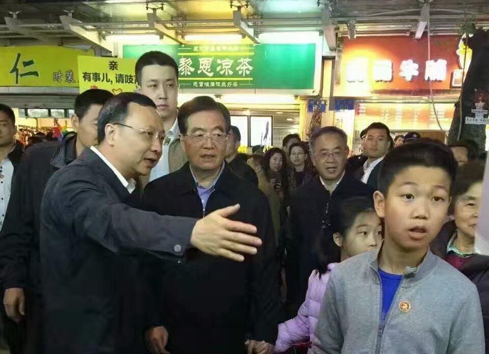 近日,胡錦濤在廣州露面,破除此前江派海外放風稱其病重的謠言。(網絡圖片)