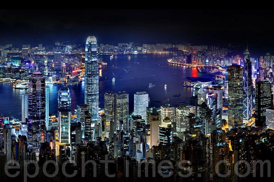 香港著名景點有迪士尼樂園和海洋公園,但有人認為,香港令人印象難忘的地方是「上山下海」,因為這才是香港獨一無二之處。(資料圖片)
