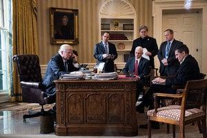 特朗普一日五個電話 與德法日澳俄元首通話