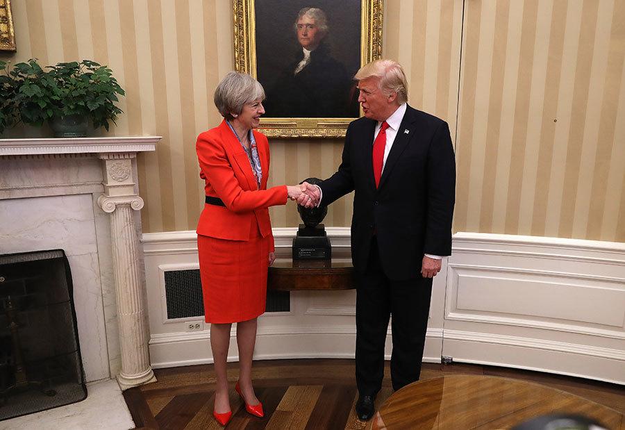特朗普上任首次會見的外國領導人為英國首相文翠珊。(Christopher Furlong/Getty Images)