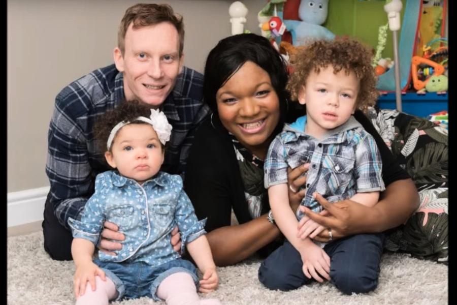 全球首例 英國黑人媽生下兩名白人兒女
