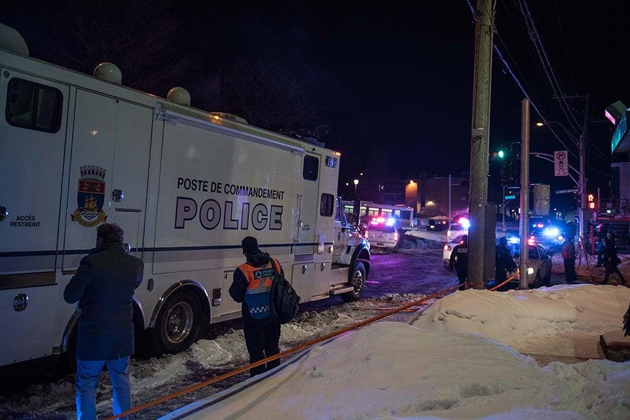加拿大魁北克市警方表示,周日(29日)晚,魁北克市一座清真寺發生槍擊事件,大約有6人死亡,多人受傷。(ALICE CHICHE/AFP/Getty Images)