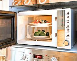 這3類食物不要放進微波爐