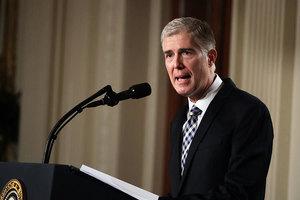 特朗普提名49歲戈薩奇為最高法院大法官