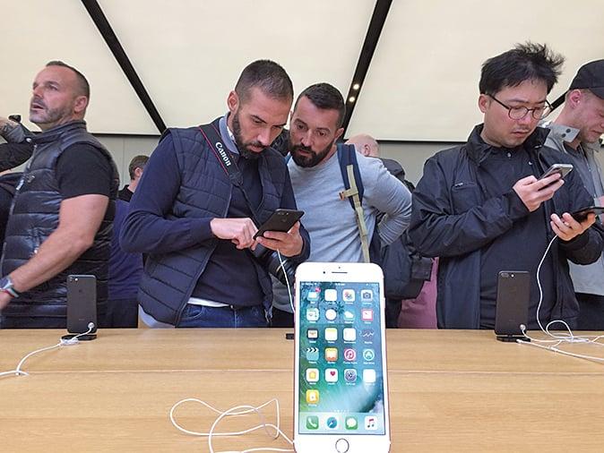 iPhone銷售大反彈 蘋果上季營收創新高