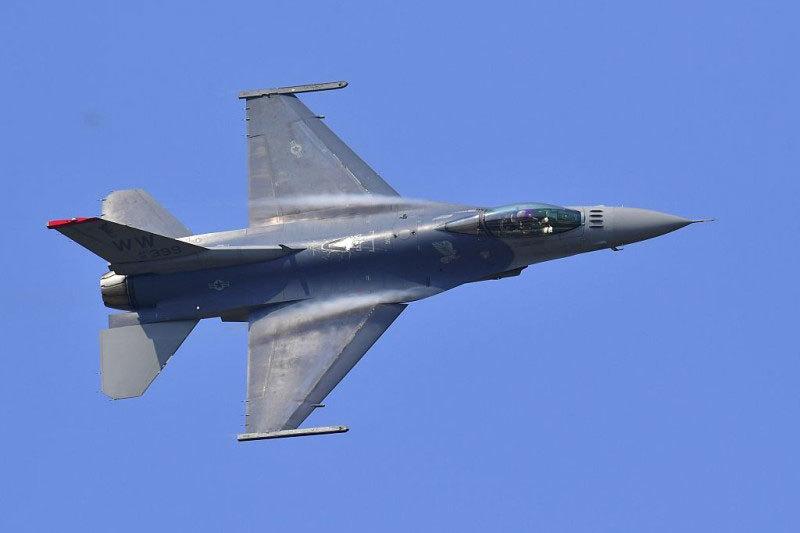 美國F-16「戰隼」戰機示意圖。(JUNG YEON-JE/AFP/Getty Images)