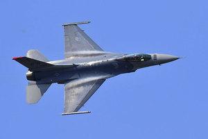 震懾北韓 美防長訪韓前十二架戰機赴朝鮮半島
