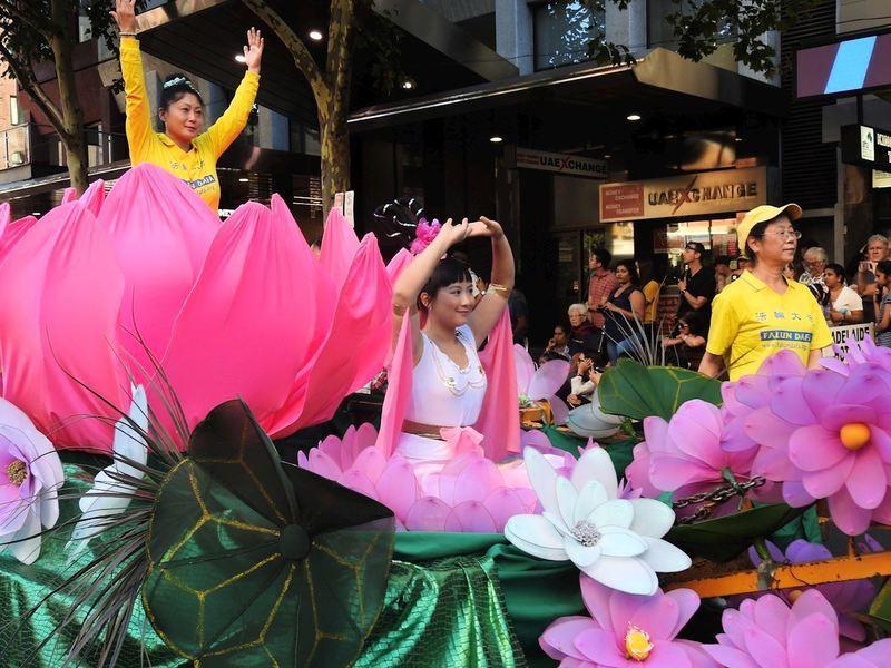 法輪功團體參加澳洲國慶日遊行