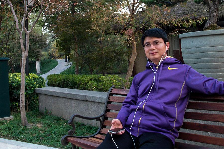 「明天系」掌門人肖建華由香港被押回大陸,引外界關注。神秘人物最新在微信朋友圈發文披露,肖建華事件是中共高層權鬥,涉及眾多江派高層家族,以及涉及中共十九大人事安排。(網絡圖片)