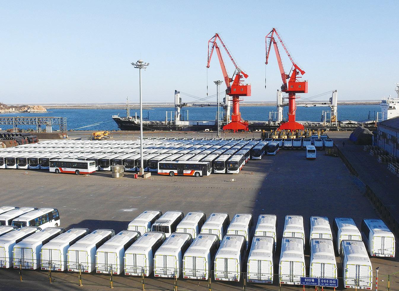 經濟學家預測,中國經濟在2017年或將迎來最大風險。圖為江蘇省連雲港港口。(Getty Images)