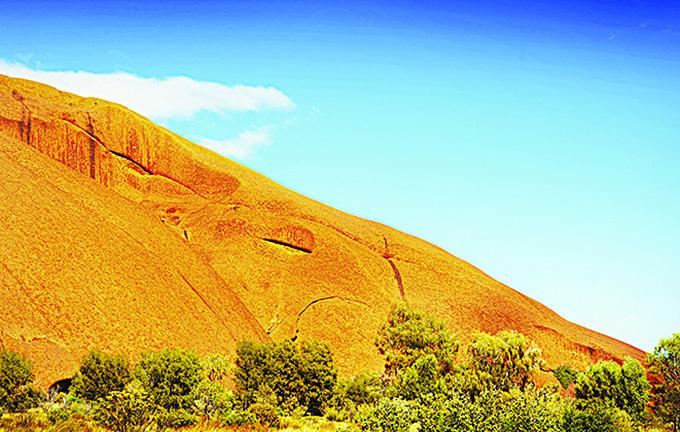 艾爾斯岩。(維基百科)