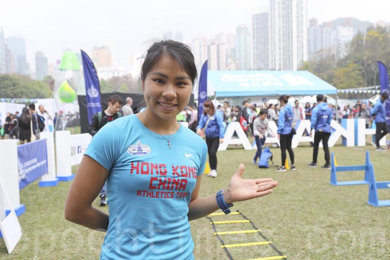 姚潔貞又透露,本來今年首次報名同老公一起參加10公里賽,但自己可能有喜,因此放棄落場。(余鋼/大紀元)