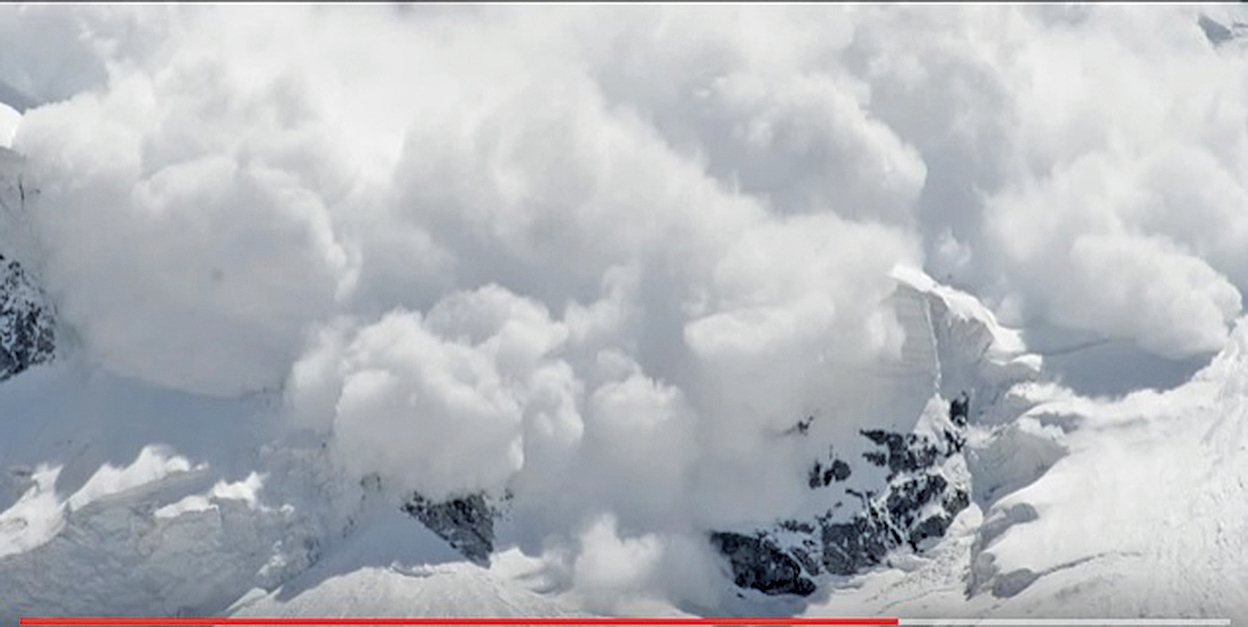 阿富汗中部和北部省份因連續降雪發生多宗雪崩事件,造成逾百人死亡。(影片截圖)