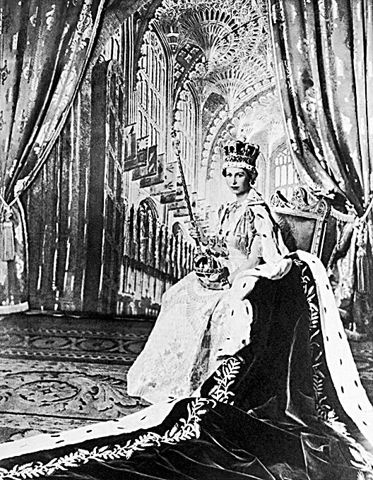 1953年6月2日,英國為伊利沙伯二世女王舉行了盛大加冕儀式。(網絡圖片)