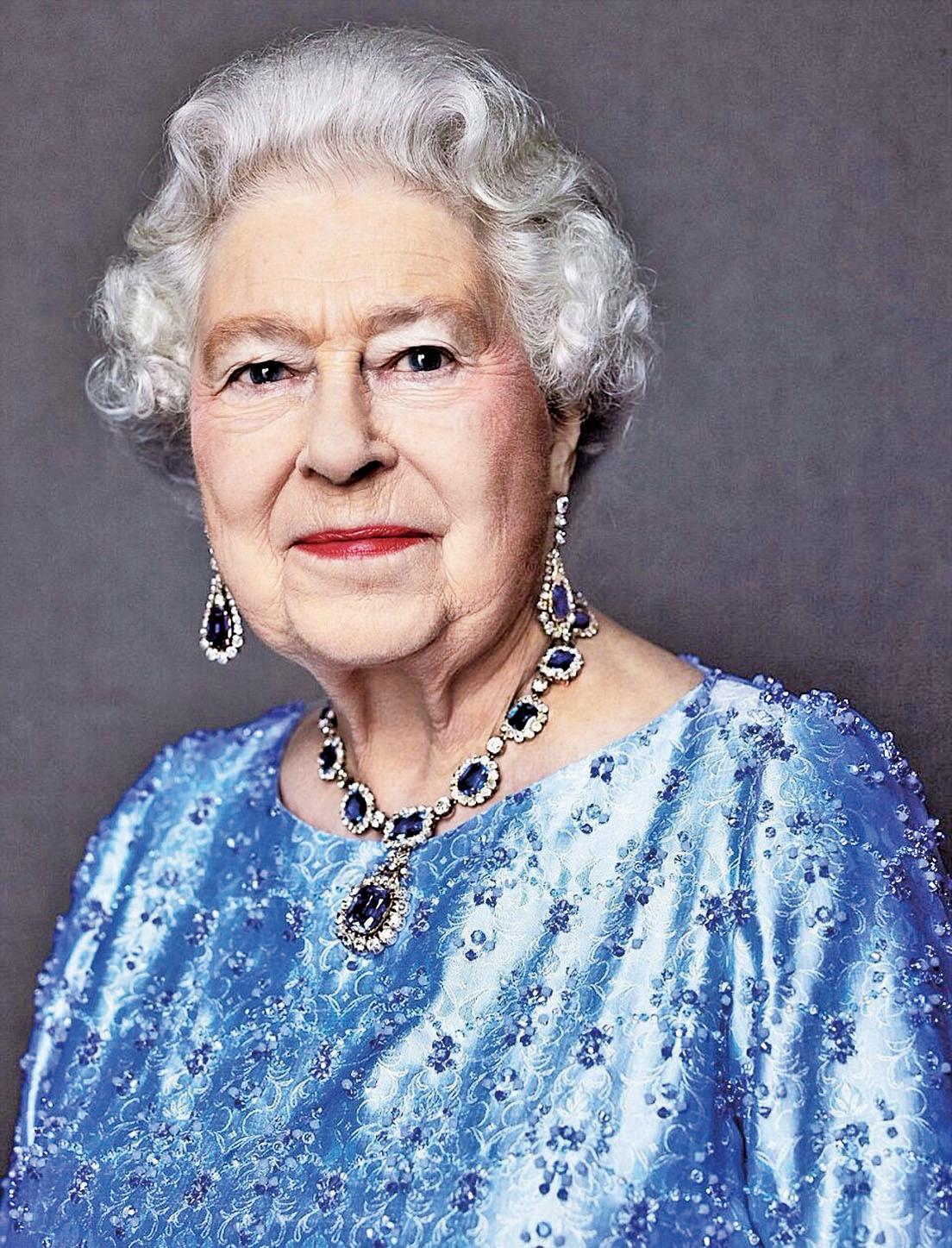 90歲的英國女王伊利沙伯二世,2017年2月6日登基65周年,是世界上在位時間最久的君主。圖為白金漢宮發佈的一張攝於2014年的肖像。(白金漢宮提供)