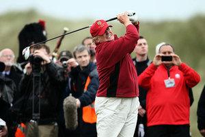 建立搭檔關係 特朗普邀安倍打高爾夫球