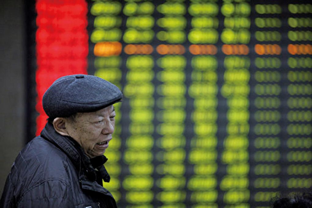 大陸股市持倉投資者數量跌破5,000萬,顯示投資者對股市的擔憂加劇。(Getty Images)
