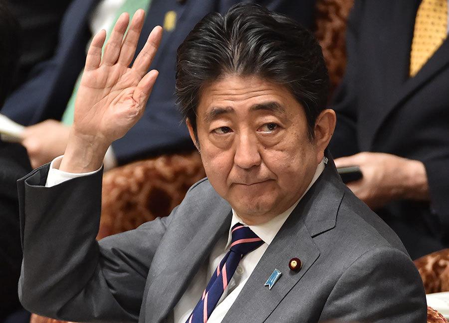 日本首相安倍晉三預定9日啟程訪美五天,特朗普高規格款待。(KAZUHIRO NOGI/AFP/Getty Images)