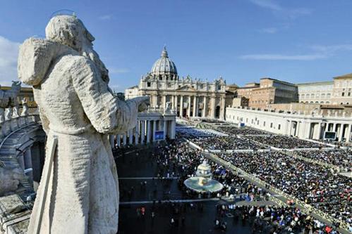 █梵蒂岡反器官販賣峰會上,黃潔夫發言遭到其它與會嘉賓的批評與強烈質疑,雙方一度激烈交鋒。(AFP)