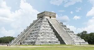 坎昆瑪雅古金字塔前的省思