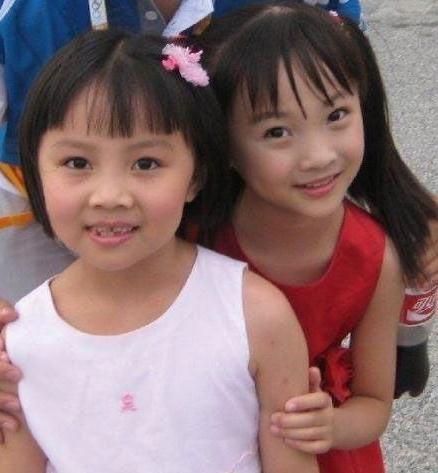 8年前的楊沛宜(左)林妙可(右)。(網絡圖片)