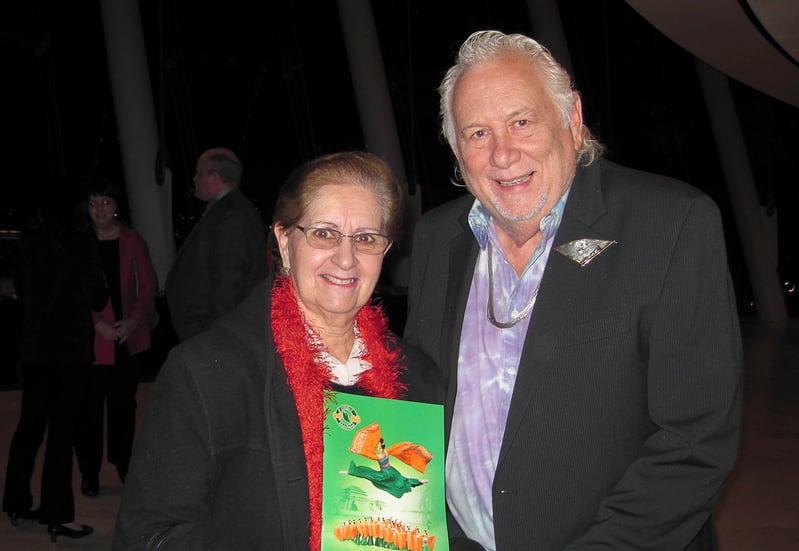 教授藝術四十年、足跡遍及世界、觀看過無數演出的藝術教授Michael Oliver與夫人Maria Oliver觀看晚會後都表示,這是藝術盛典。(李文婷/大紀元)