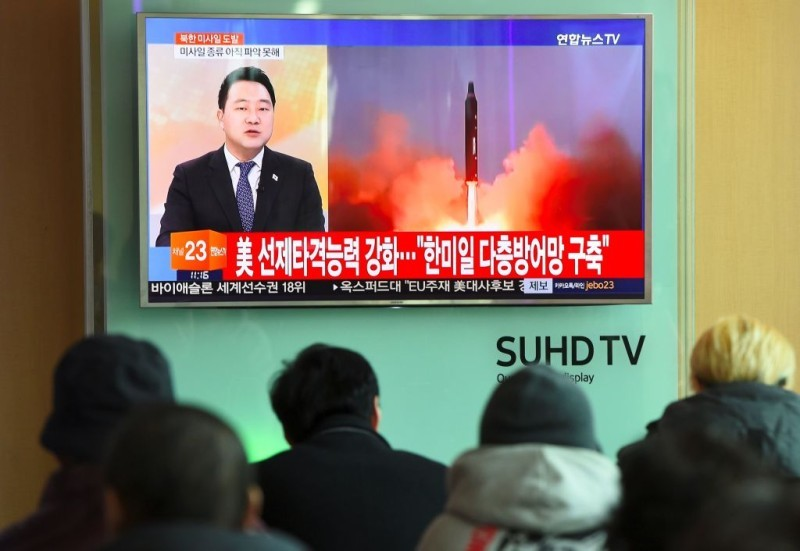 北韓在12日一早向東岸外海發射1枚彈道導彈。(JUNG YEON-JE/AFP/Getty Images)