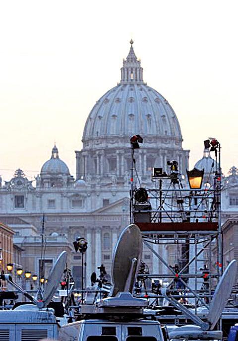 在梵蒂岡舉行的反對國際器官販賣會議中,中共官方代表團受到了國際社會的強烈質疑和批評。(Getty Images)