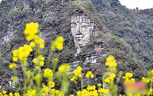 世界最大自然石佛 藏貴州山中千百年