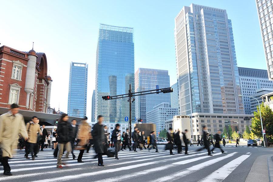 截至2016年10月底,在日本就職的外國人首次突破百萬,連續四年創新高,達到108萬3,769人。其中,中國人佔三成。(PIXTA)