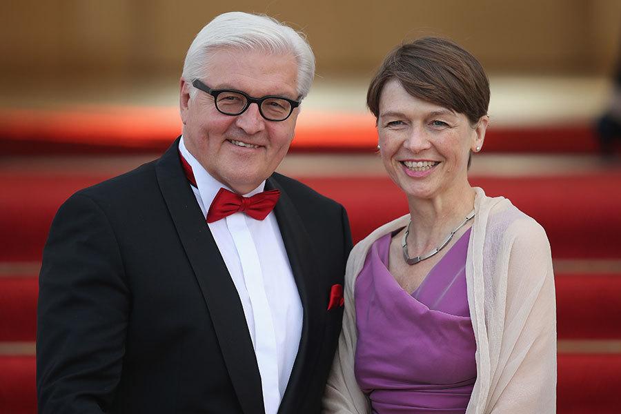 德國新一任總統施泰因邁爾和妻子。(Sean Gallup/Getty Images)