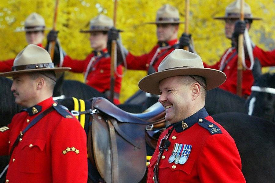 身著紅色制服的加拿大皇家騎警。(AFP/Getty Images)