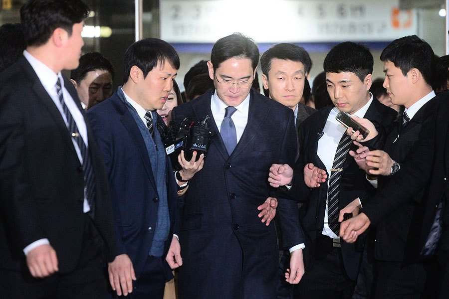 三星少主李在鎔關押期延長至三月八日
