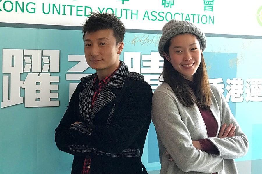 今日下午,方力申與歐鎧淳來到香港浸會大學出席一個分享會,分享「飛躍奇蹟」香港運動精神。(王文君/大紀元)