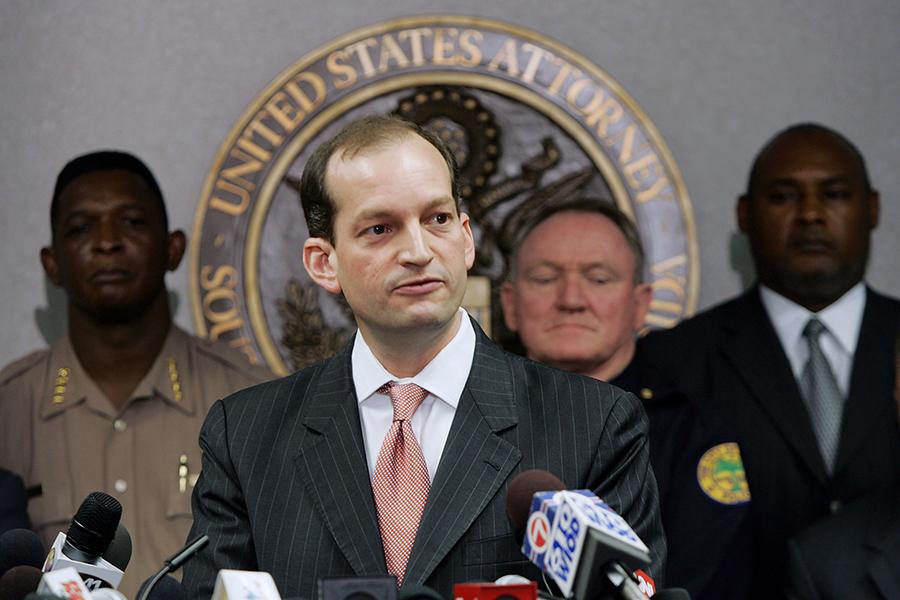 特朗普總統16日提名出生於古巴移民家庭的前助理總檢察長亞歷山大・阿科斯塔(Alexander Acosta)出任勞工部部長。(Joe Raedle/Getty Images)