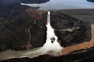 加州豪雨將至 防洪大壩安全仍受關注