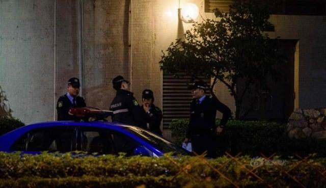 警察在金正男家人居住的別墅附近巡邏。(網絡圖片)