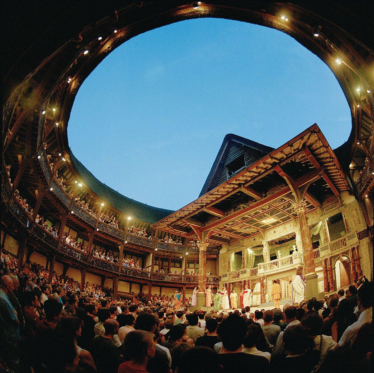 在環球劇場,仰望四百年同一片天。 (網絡圖片)