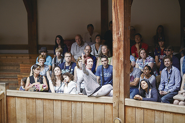 生動又豐富的解說——吸引所有遊客的注意力對環球劇場的講解員來說簡直太容易了。(John Wildgoose)