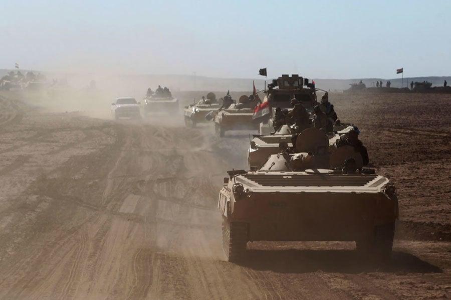 一位美國軍方高級官員表示,伊斯蘭國(IS)的武裝份子已經處在混亂之中,將難以抵擋伊拉克軍隊奪回摩蘇爾的快速進攻。(AFP/Getty Images)
