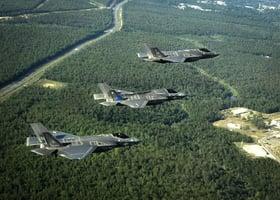 回應特朗普要求 F-35隱形戰機或八五折