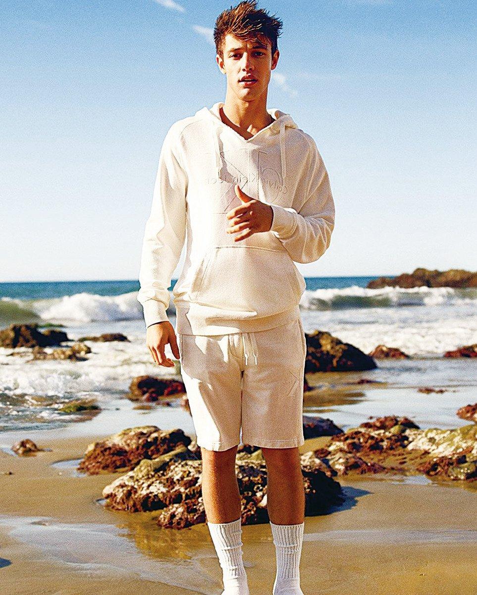 卡梅倫‧達拉斯為時裝品牌Calvin Klein拍攝廣告。(Calvin Klein)